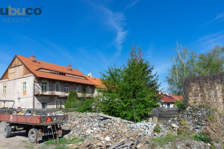 Exkluzivní pozemek v centru města Kouřim, 1022 m2